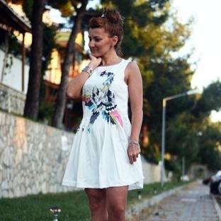 Beyaz....