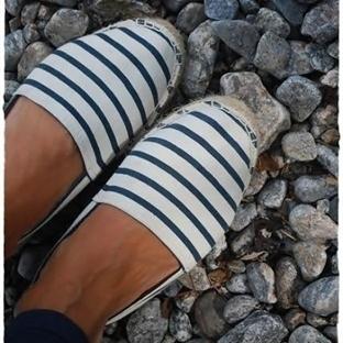 Bu yaz ayaklarda Fransızların ayakkabısı espadril