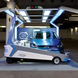 Düsseldorfta Arabanızı Bırakın Robotlar Parketsin