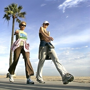 Düzenli Yürüyüş Parkinson'u Yavaşlatıyor