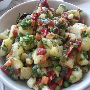 garnitürlü patetes salatası tarifi