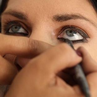 Göz kalemi nasıl kullanılır ?