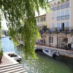 Port Grimaud: Kanallar üzerinde bir masal kasabası
