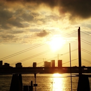 Ren Nehrinden İlham Alan Şehir: Düsseldorf