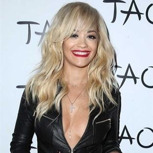 Rita Ora Kulüpte Şarkı Söyledi