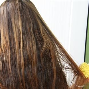 Saçınızı üç günde bir yıkayın, fazla taramayın