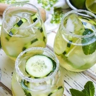 Salatalık çayı ile göbek yağlarına veda
