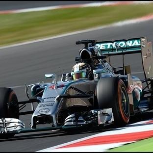 Silverstone'da Zafer Yerel Kahraman Hamilton'un
