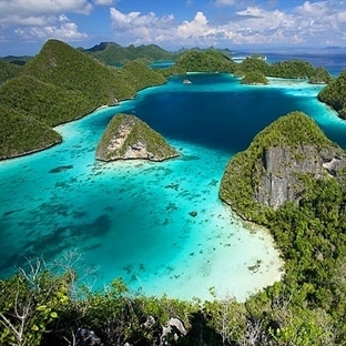 14 Bin Adası Olan Ülke