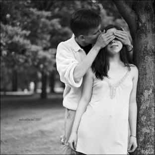 Aşk Nedir Nasıl Aşık Oluruz ?