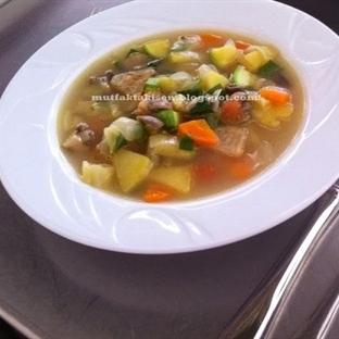 Besleyici MİNESTRONE çorba nasıl hazırlanır