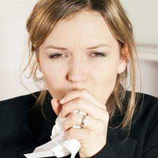 Boğaz Ağrısı Tiroid Habercisi Olabilir