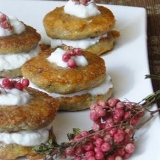 Bulgur Köfteli Yoğurtlu Sandviç Tarifi