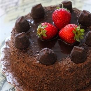 Devil's Food Cake (Çok Çikolatalı Pasta)