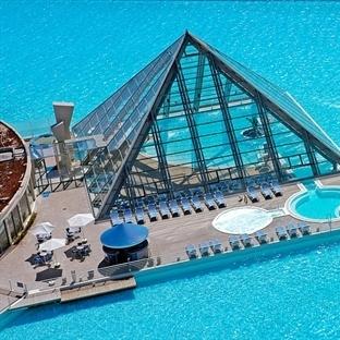 Dünya'nın En Büyük Havuzu Desek?