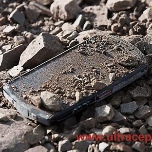 Dünyanın Safir Ekrana Sahip İlk Akıllı Telefonu