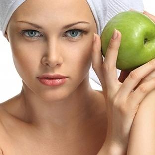 Elma ile Cilt Bakımı yapmak istemez misiniz ?