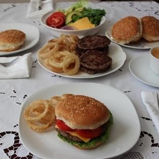 Ev Yapımı Hamburger Tarifi (Resimli)