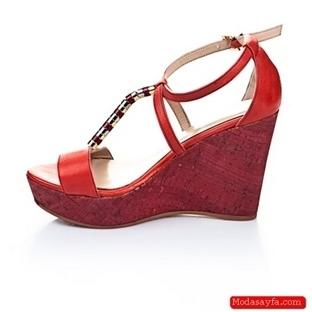 Kırmızı Yazlık Bayan Ayakkabı Modelleri