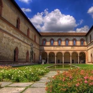 Milano Castello Sforzesco Kalesi – Milan kalesi