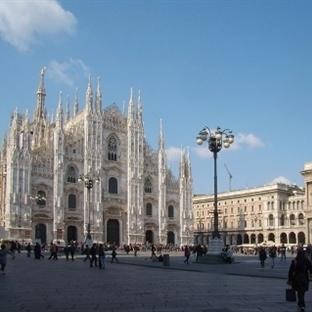 Milano Duomo Meydanı – Piazza del duomo