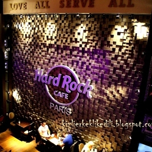 Paris Hard Rock Cafe