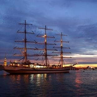 Petersburg'da Geceler Hala Daha Beyaz
