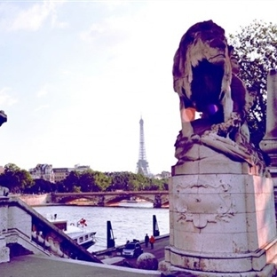 Pont Alexandre III köprüsündeyiz...