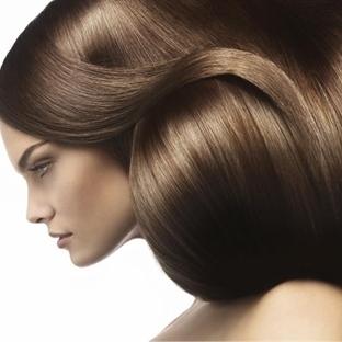 Saçları Parlak Ve Dolgun Gösterin