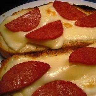 Salamlı Ekmek Tarifi