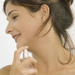 Vücudunuz terliyse parfümden uzak durun