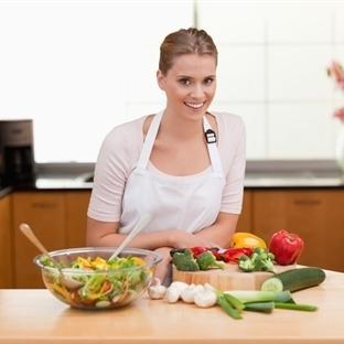 Yemek Pişirirken İşinize Yarayacak Püf Noktaları