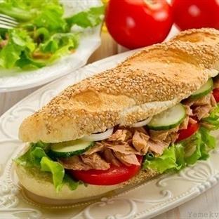 Yerfıstığı ve Ananaslı Sandviçler