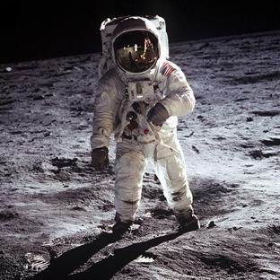 Astronotlar Ay'ın yüzeyinde nasıl yolculuk yapar?