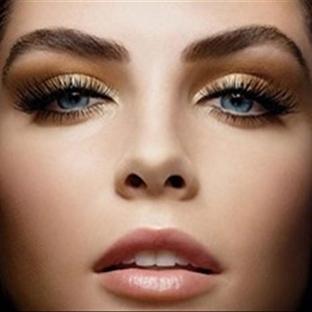 Bronz Siyah Göz Makyajı