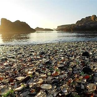 Dünyanın En İlginç Plajı: Glass Beach
