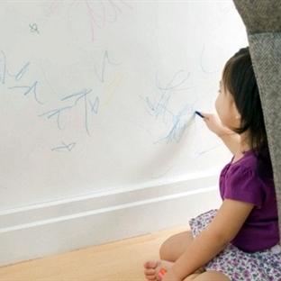 Duvar ve Mobilyadan Tükenmez Kalem Lekesi Çıkarma