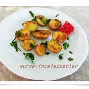 Fırında Soslu Taze Patates Kızartması