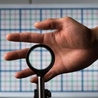 Fizikçiler Ucuza Görünmezlik Sağlayan Lens Yaptı