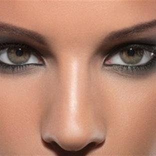 Göz farı sürmenin 3 yöntemi
