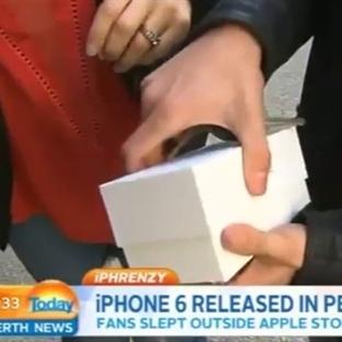 iPhone 6'yı Alır Almaz Yere Düşürdü!