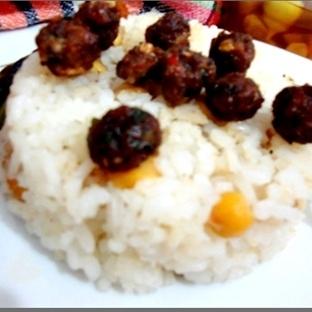 Köfteli Pirinç Pilavı