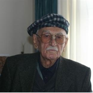Köy Enstitülü Bir Çınar: Talip Apaydın