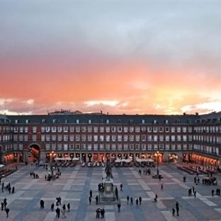<span>Madrid'de Gezilecek</span><br /><span>Yerler</span><br />