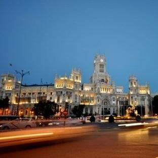 Madrid Plaza de Cibeles Meydanı