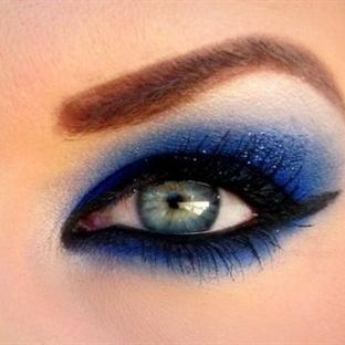 Mavi mor göz makyajı nasıl yapılır