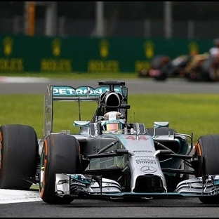 Monza'da Mercedes Dublesi, Zafer Hamilton'un !!