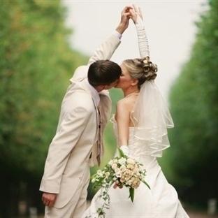 Neden Evleniriz ki?