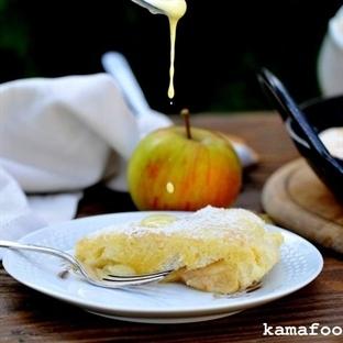 Ofen-Apfelpfannkuchen mit Vanillesauce