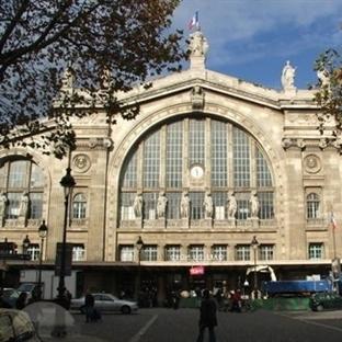 Paris'te Yer Alan Tren İstasyonları